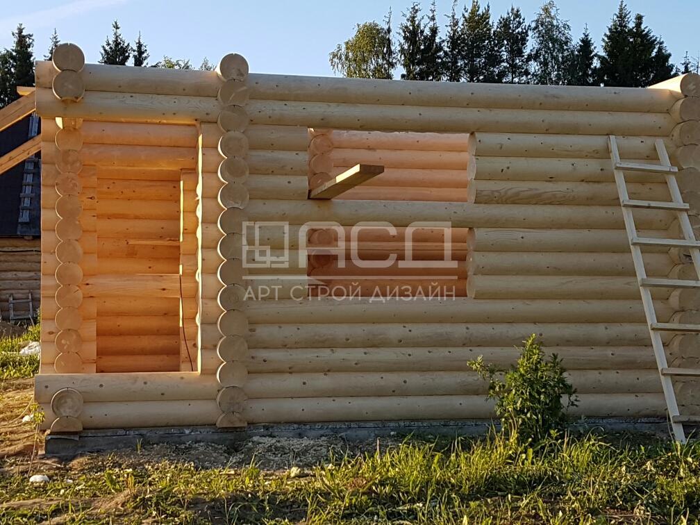 Двухэтажная баня из оцилиндрованного бревна в Истринском районе