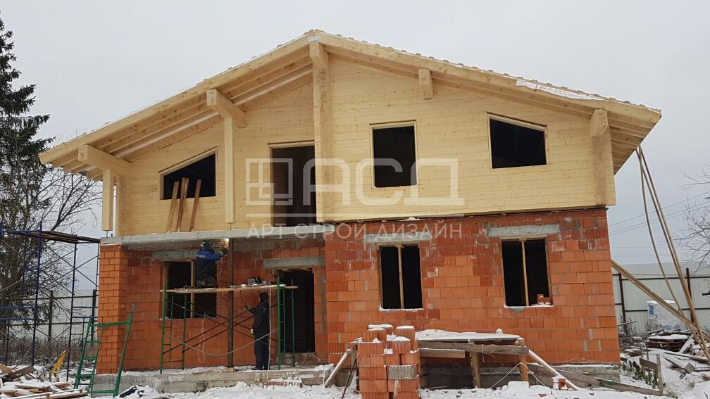 Комбинированный дом из красного кирпича и клееного бруса в д. Духанино