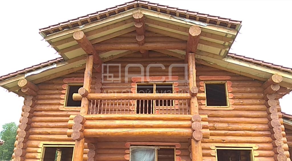 Дом из рубленного бревна в Сергиевом Посаде
