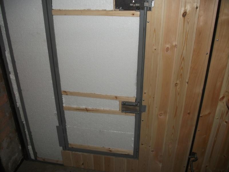 Чем обшить гаражные ворота своими руками