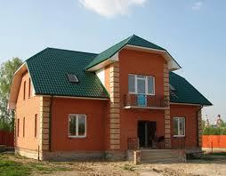 Итак, принято решение построить кирпичный дом. Сразу возникают вопросы: как это делать, в какую компанию обратиться, как экономить и на чем